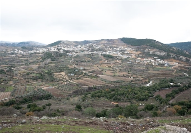 Touring Ein Qiniyye - a Druze village in the Golan Heights-3